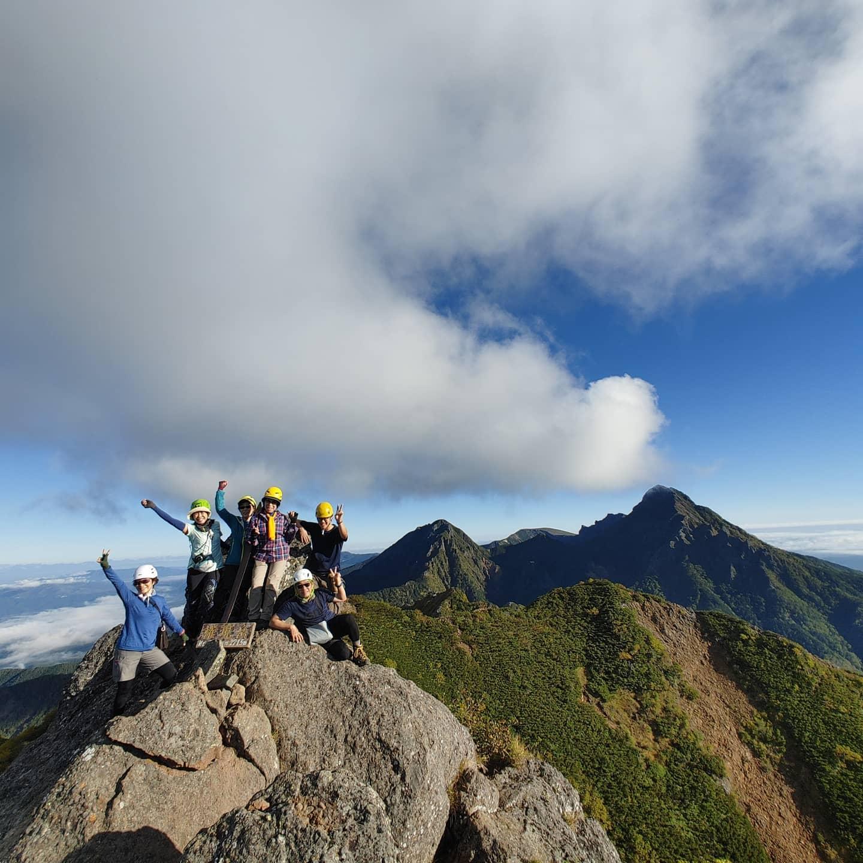 台風の影響で中止になった槍ヶ岳の代わりに八ケ岳の権現岳から赤岳への縦走登山に行ってきました。