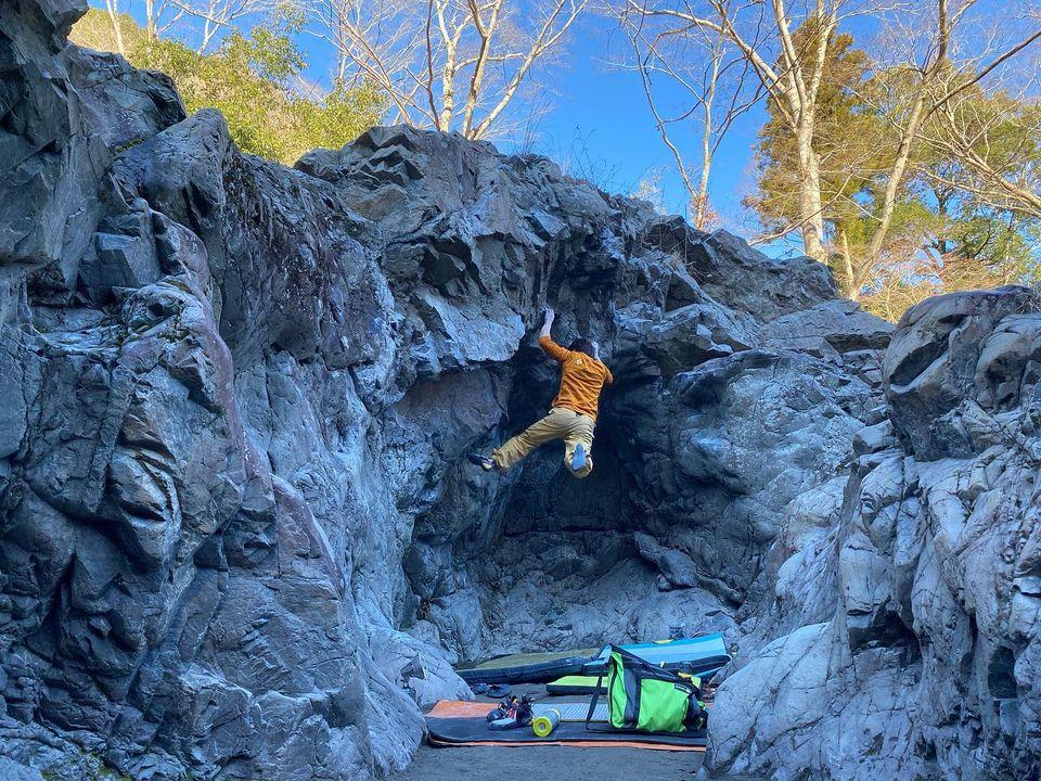 先日のお休みは御岳ボルダーに行ってきました