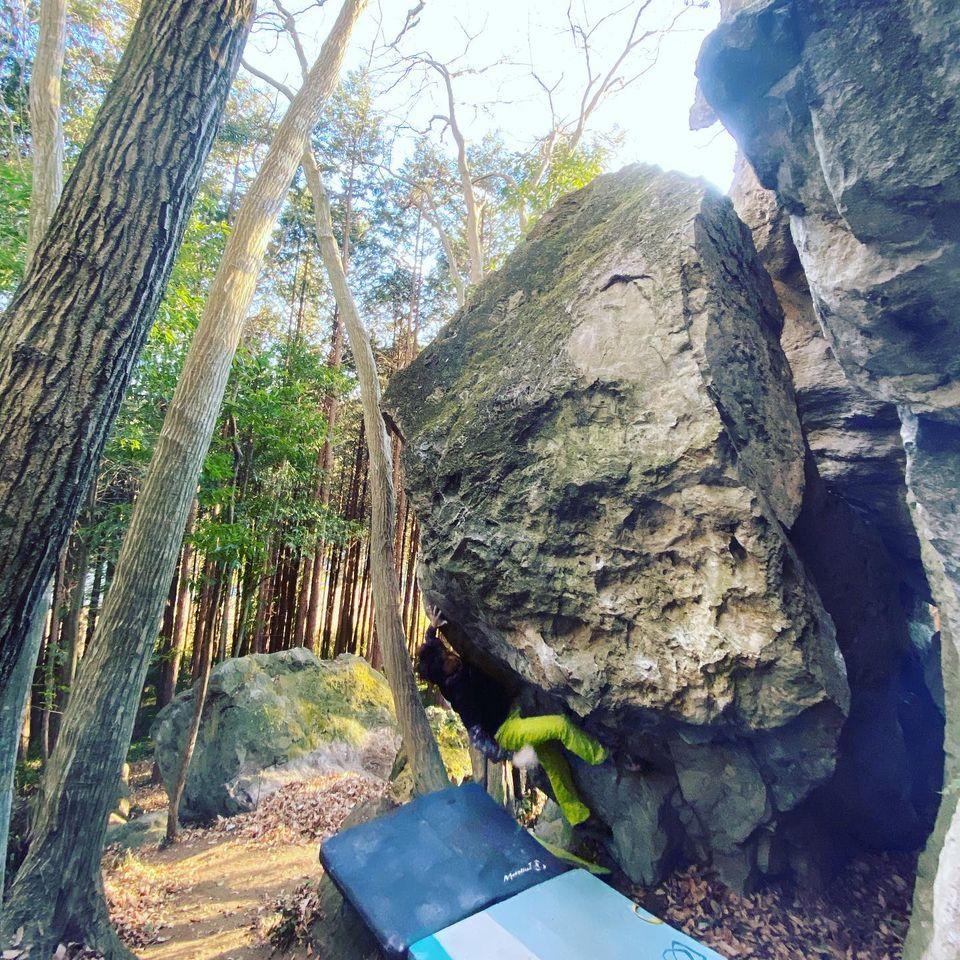 火曜のお休みに栃木にある岩場に行ってきました