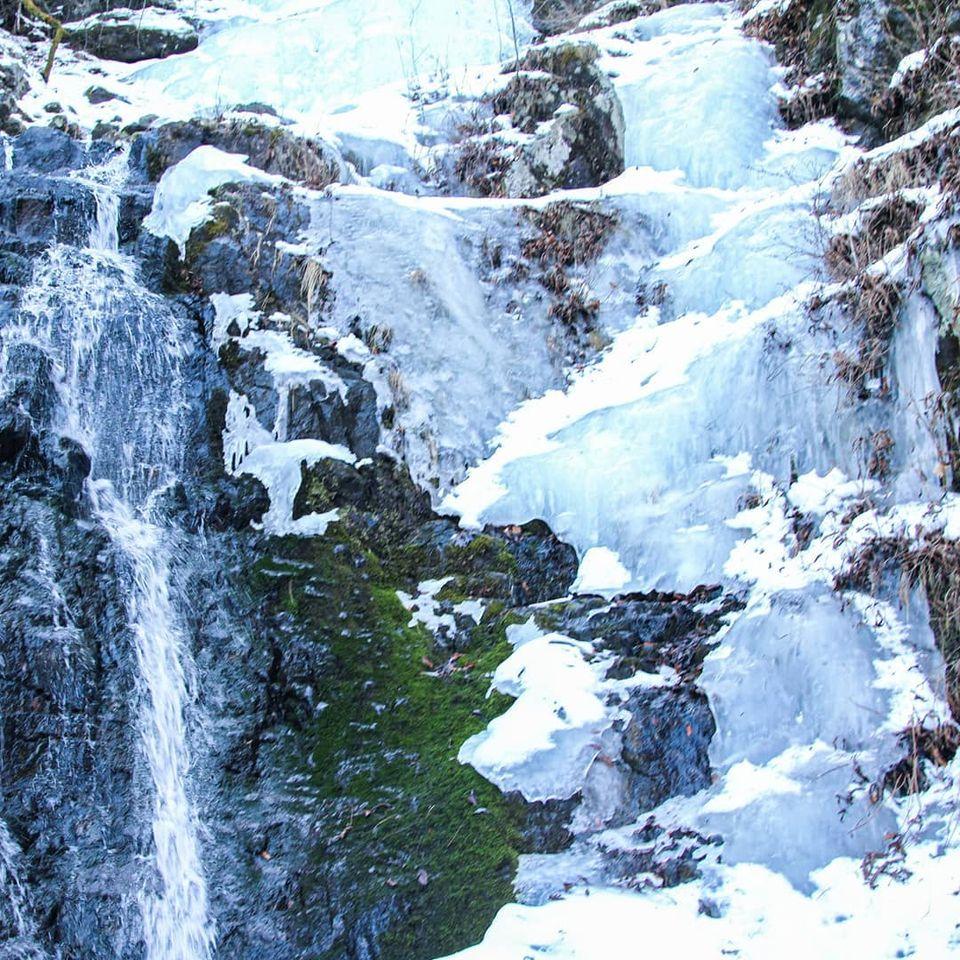 三ツ峠山にある四十八滝沢へ行ってきました