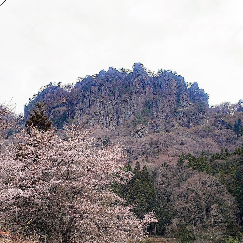 先日のお休みに岩櫃山へ行ってきました