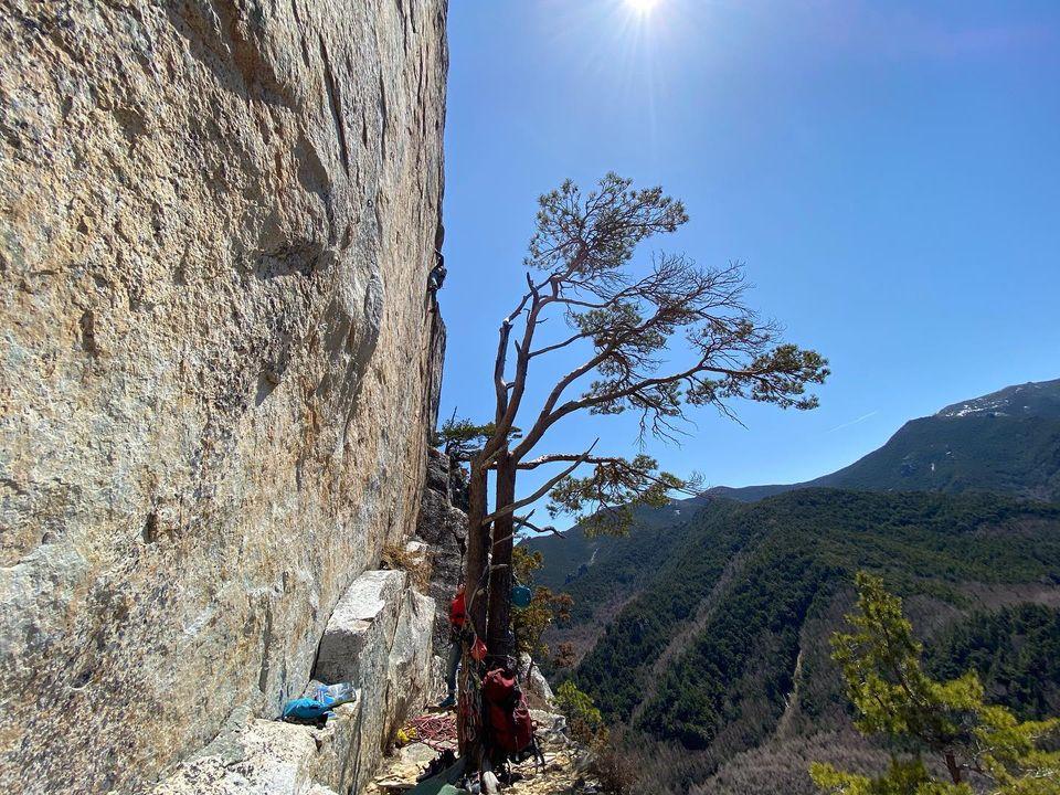 先日、小川山、ゴジラ岩に行ってきました