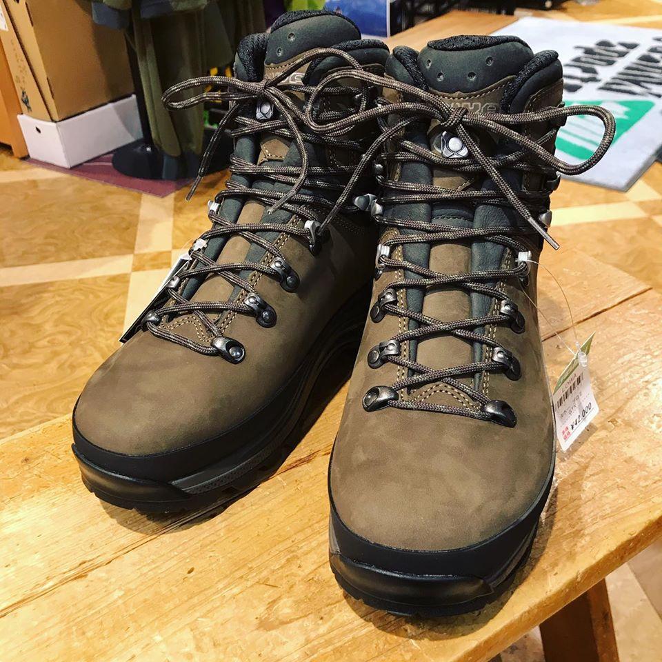 LOWAの新しい登山靴、タホープロⅡ入荷しました!